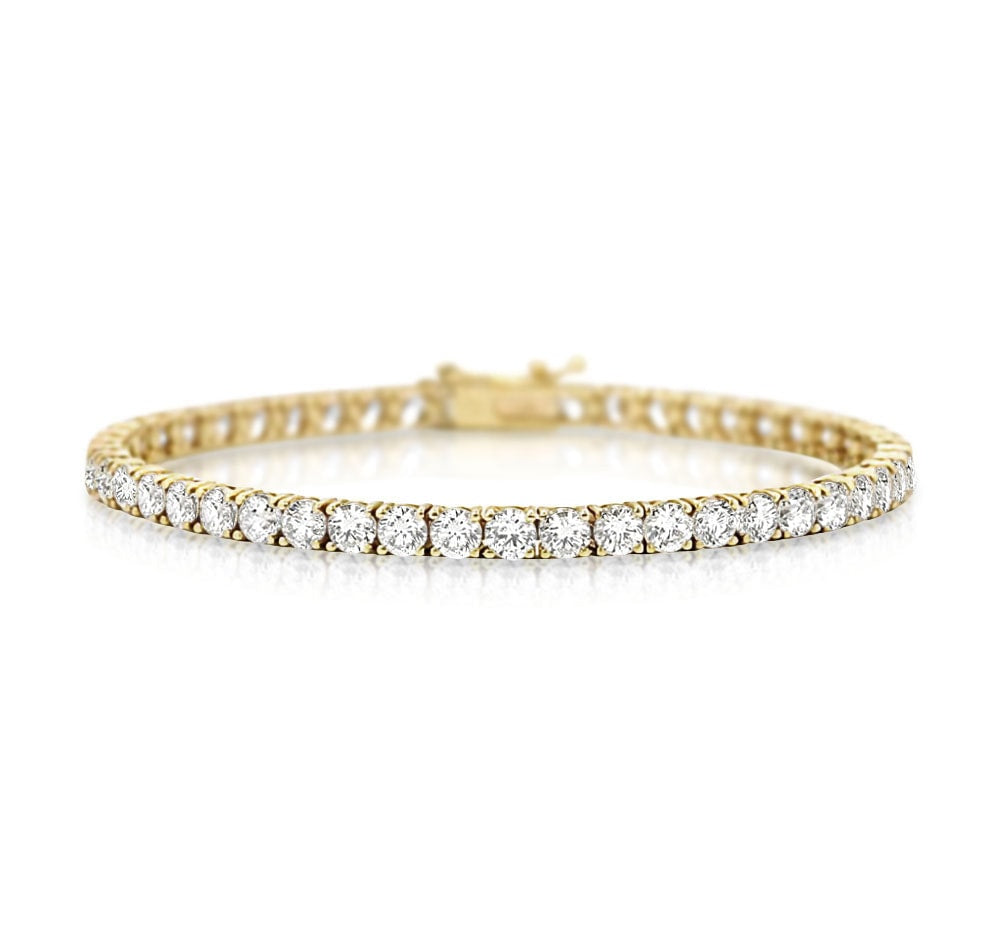 Classic Diamond Tennis Bracelet in 18k Gold