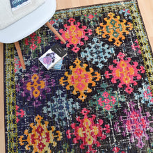 Load image into Gallery viewer, Colores Rugs
