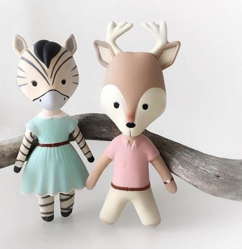 The VaniMeli Natural Rubber Deer Toy is a stylish teether. Free of PVC, BPA, phthalates, & nitrosamines. Painted with non-toxic lead-free paint. Available in the USA at The Eco Baby Co™.