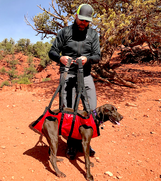 FIDO PRO AIRLIFT: hammock-style backpack to easily lift and carry your canine friend