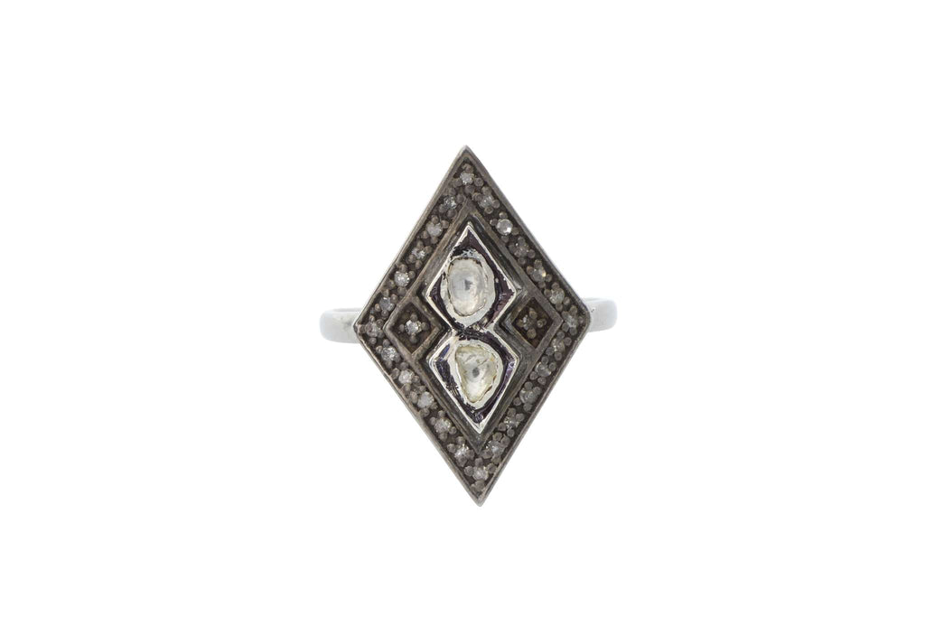 Medallion Diamond Rhombic