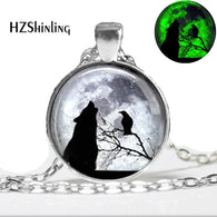 Glowing Wolf Necklace Wolf anf Raven Full Moon Pendant Glass Dome Jewelry Glow in The Dark Pendant