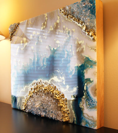 Turquoise Geode Resin Art - ikigaicreations.ca