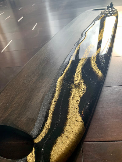Black & Gold Resin Art Charcuterie Board - ikigaicreations.ca