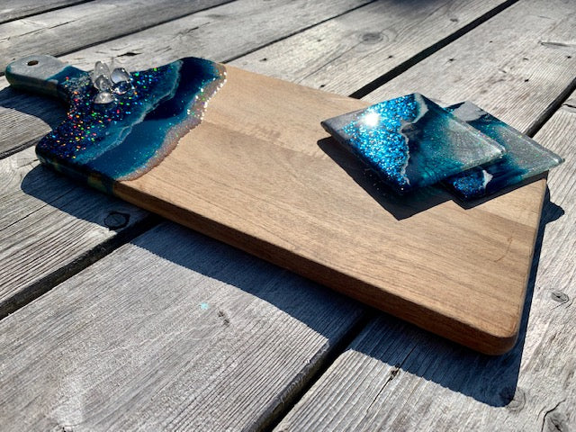 Midnight Blue Resin Art Charcuterie Board & Coasters - ikigaicreations.ca
