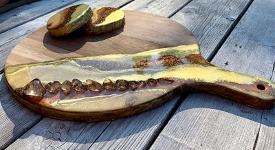 Topaz Copper Resin Art Charcuterie Board & Coasters - ikigaicreations.ca