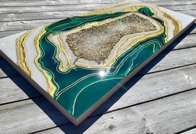 3D Turquoise Green Geode Resin Art - ikigaicreations.ca