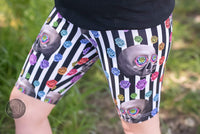 Adults shorts, skulls and stripes