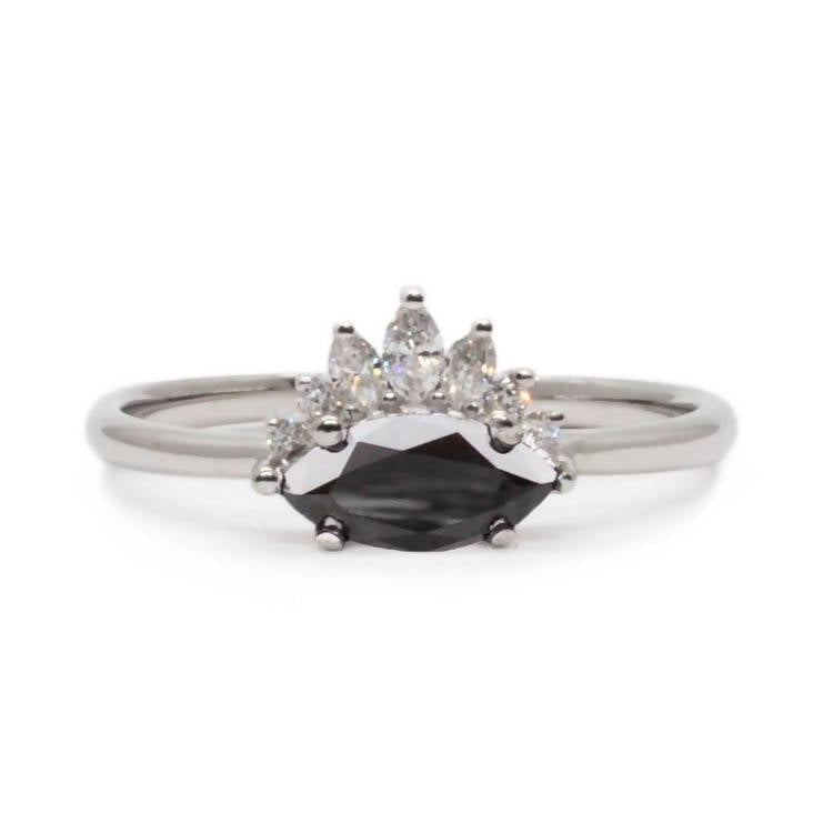 White Gold Black Diamond Amour