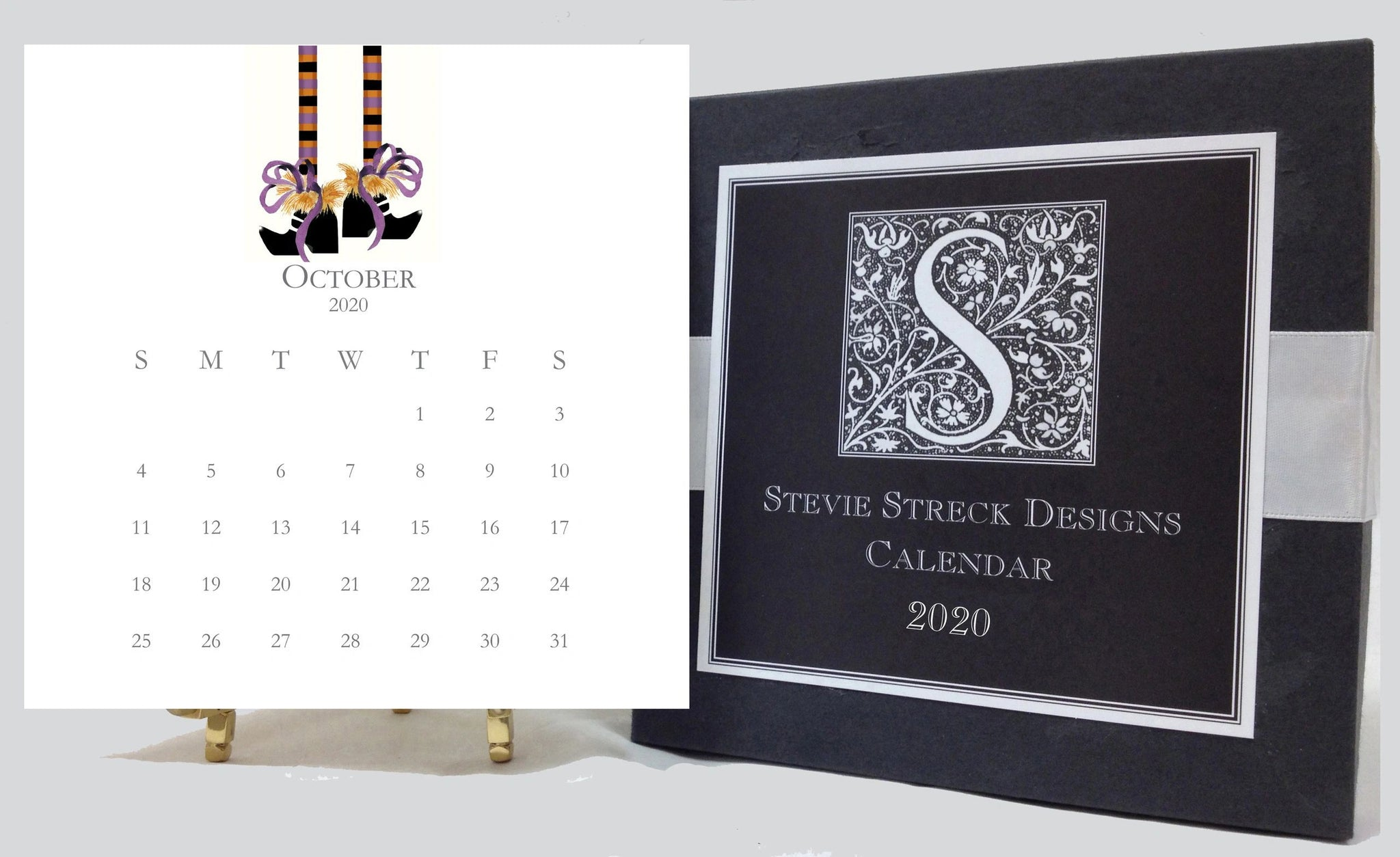 2020 Glittered Desk Calendar with easel