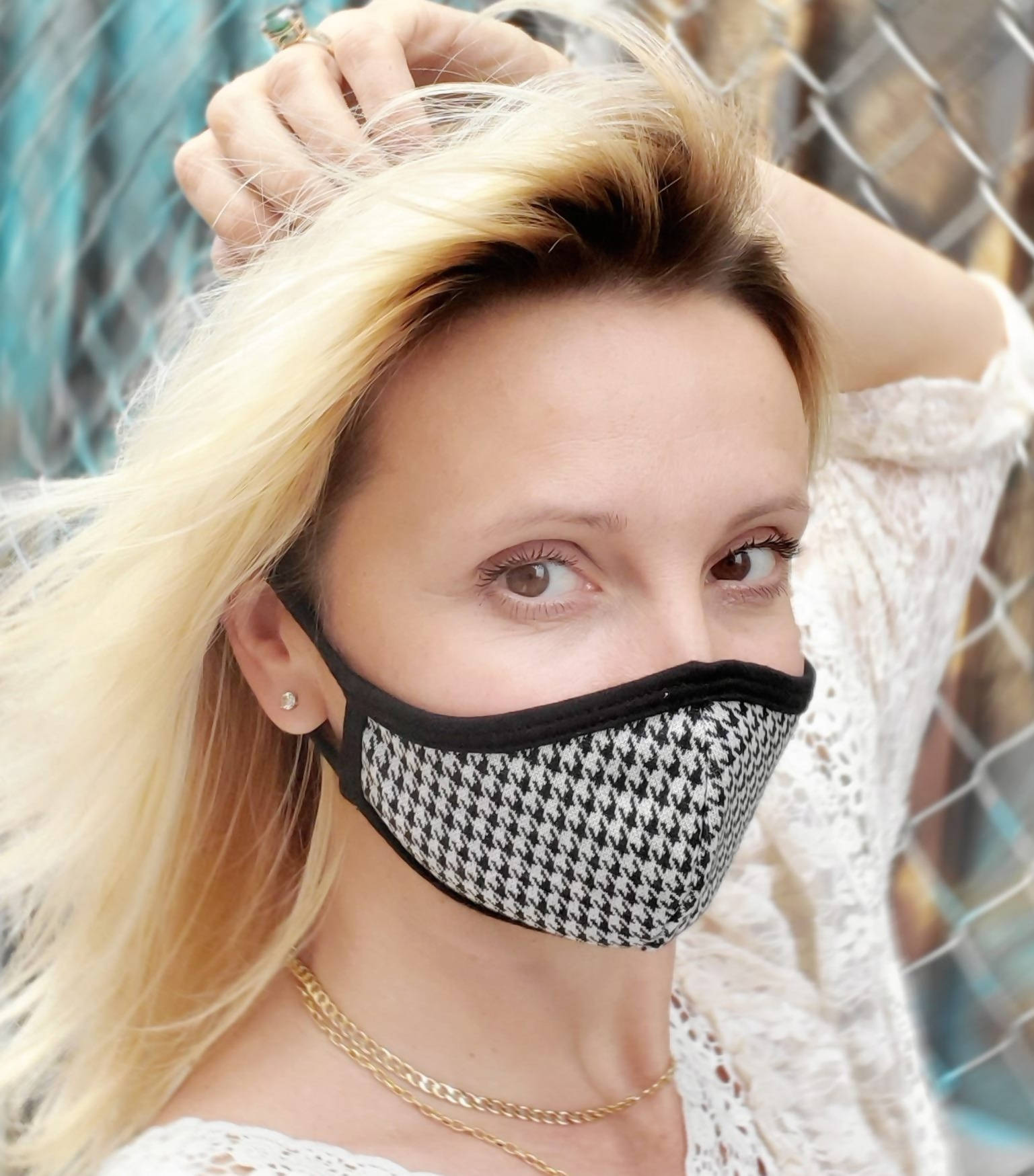 Houndstooth (BE) Face Mask