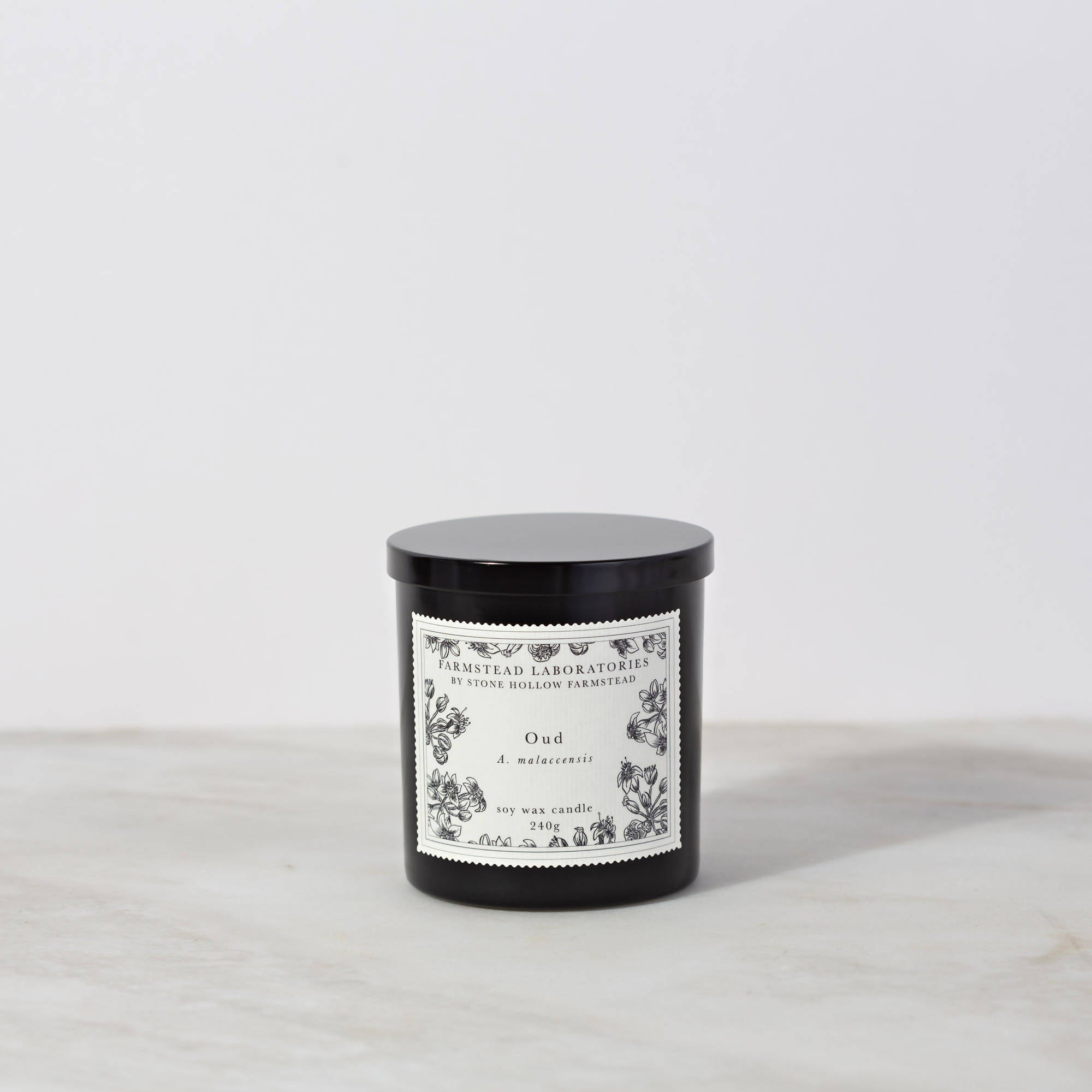 BOTANICAL SOY WAX CANDLE / OUD