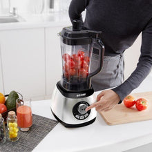 BioChef Air Free Blender In Use