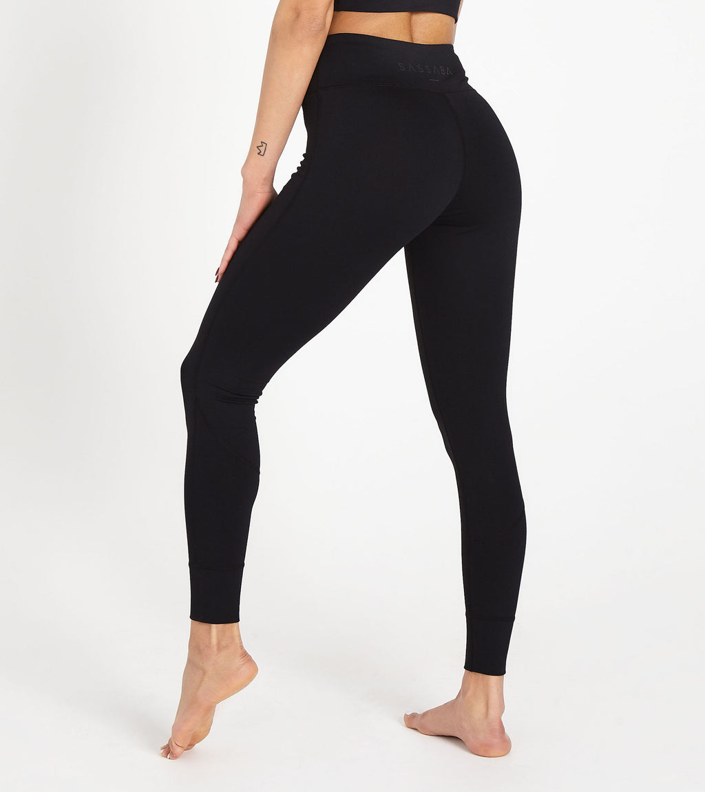 Black Essentials Leggings