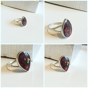 """Vivienne"" teardrop Keepsake ring"