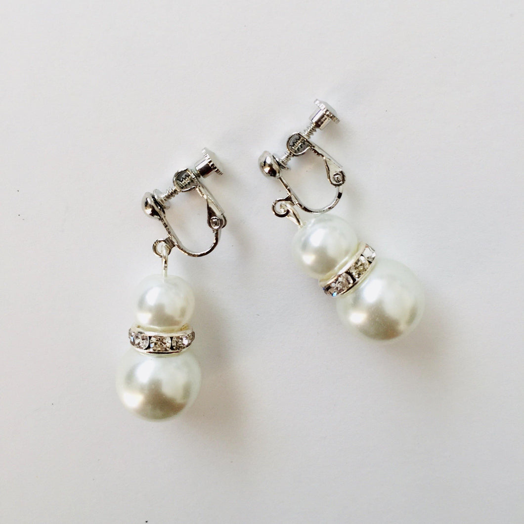 CLIP ON EARRINGS - White Lusha earrings - Zees Fashion