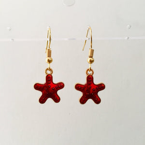 Red star girls earrings
