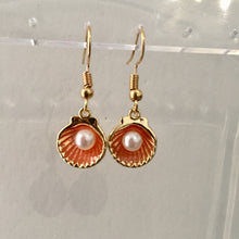 Load image into Gallery viewer, Shell and pearl girls earrings