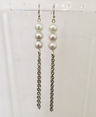 Pearl and silver chain earrings