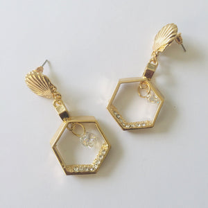 Lily gold earrings