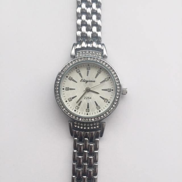 Gracie silver watch with diamante (free gift box & an extra free battery)