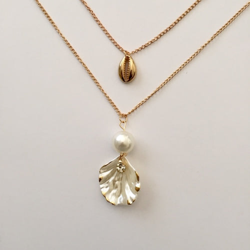 Shell and gold cowrie necklace (free gift box)