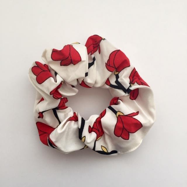 Red flowers on white Sima Scrunchie