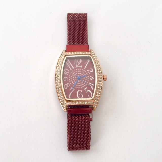 Maroon Marie watch (free gift box and extra watch battery)