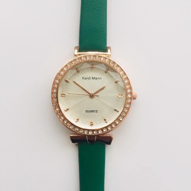 Annika green watch with diamante detail (free gift box and an extra battery)