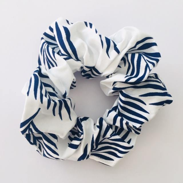 Island white and navy scrunchie