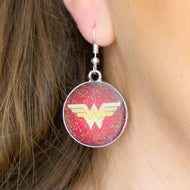 Boucles d'oreille Wonder Woman - Pour un cordon de Liberty
