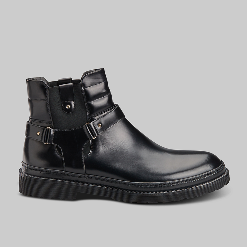 BLACK LEATHER CHELSEA BOOTS - official website - shoes and accessories