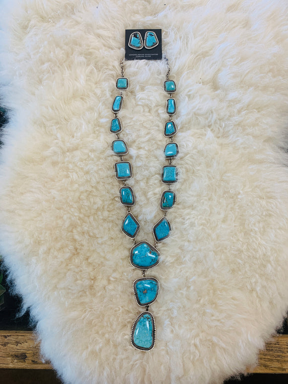 Gorgeous Kingman Turquoise Lariat Set