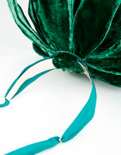 Load image into Gallery viewer, Base metal headband with green ribbon fastening of Botanique Hat