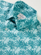 Load image into Gallery viewer, Vale Short Sleeved Shirt - Light Blue