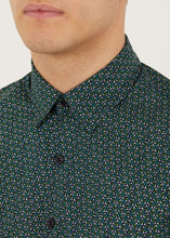 Load image into Gallery viewer, Calder Long Sleeved Shirt - Green
