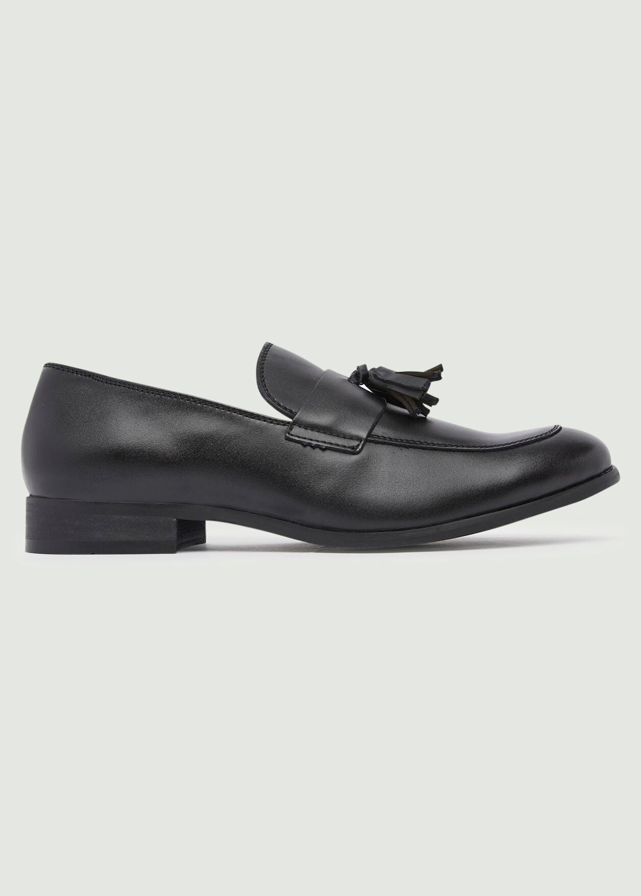 Moorhouse Tassle Leather Loafers - Black