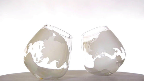 The Wine Savant 2 Piece Etched Globe Scotch/Whiskey Glasses