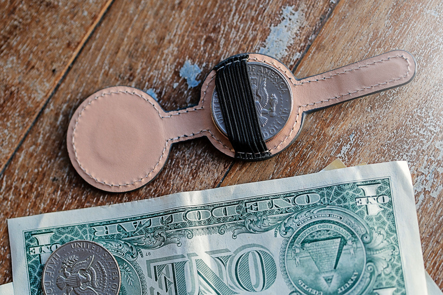 Minimal Coin Holder by Quiver