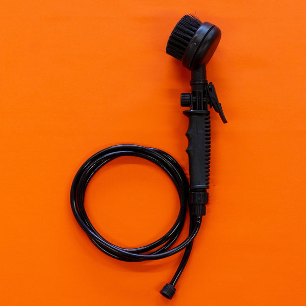 Mud Daddy® Black Brush with 1.5m Hose