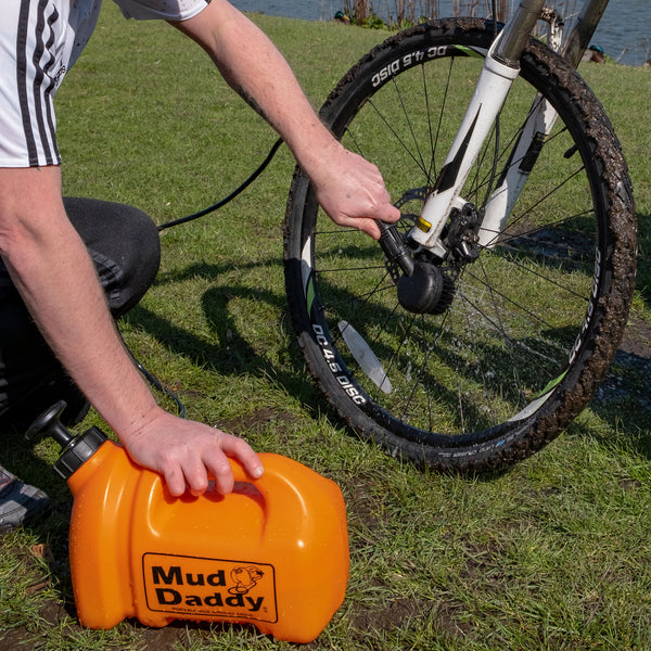 Mud Daddy® 1.3 Gallon (5 Litre) Portable Washing Device