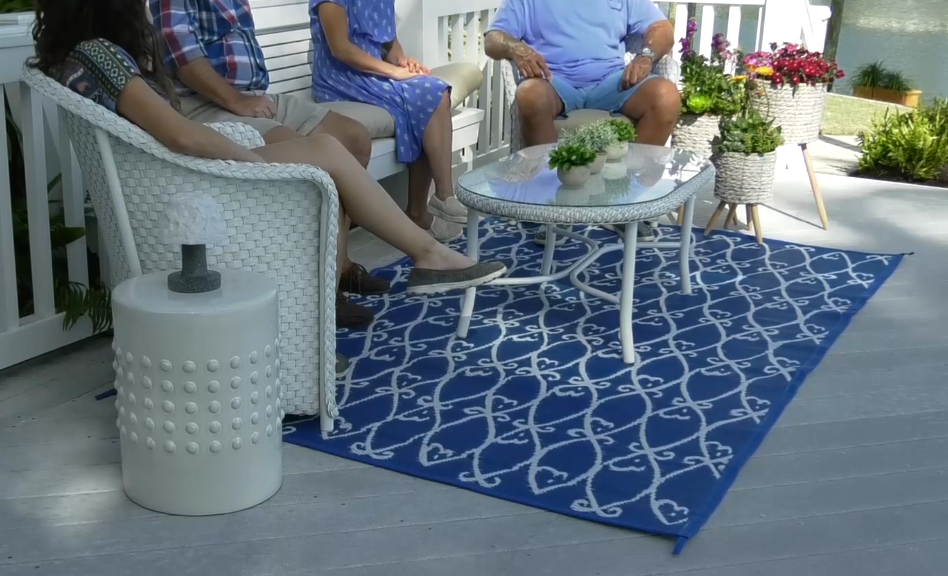 Barbara King 5'x8' Reversible Fish Patio Mat