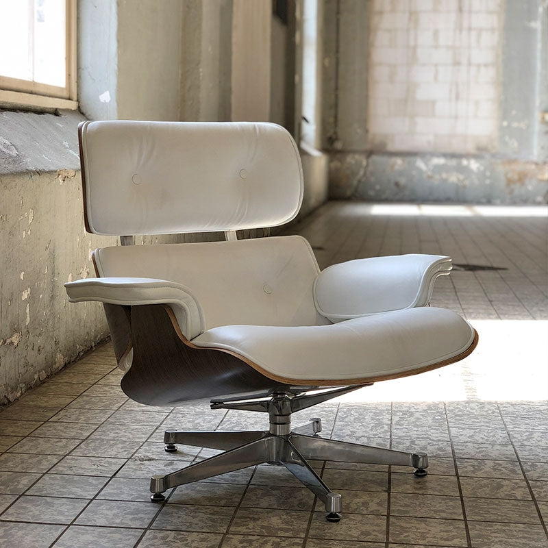 Eames Lounge Chair wit - Charles & Ray Eames