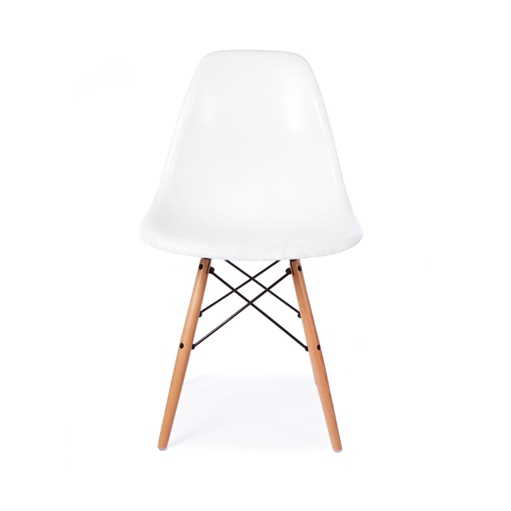 Witte Kunststof Design Stoelen.Eames Dsw Chair Wit Charles Ray Eames Furnpact