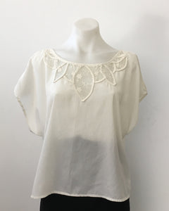 Cream Vintage Top with Lace Detail - Ya Los Angels
