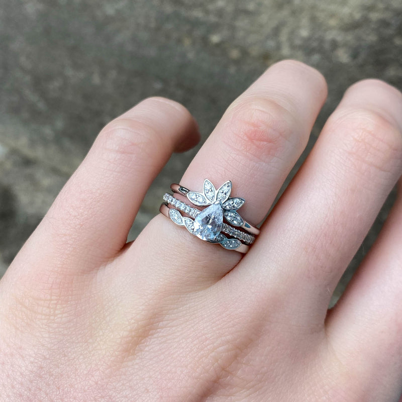 Ivy - Pear Shaped Diamond And Shoulder Set Diamond Ring - Made-To-Order