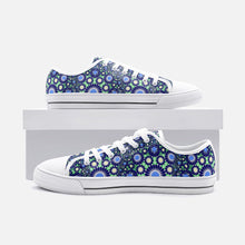 Load image into Gallery viewer, Hipster Low Top Canvas Shoes