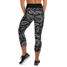 Load image into Gallery viewer, Chessie Paisley  Yoga Capri Leggings
