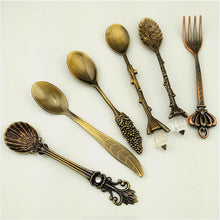 Load image into Gallery viewer, 6 Pcs Royal Antique Tableware Cutlery Set