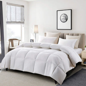 Serta 233 Thread Count White Goose Feather and Down Fiber Comforter